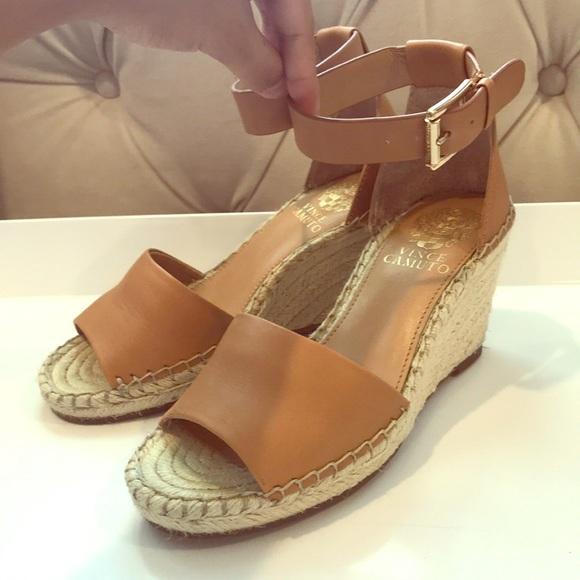 bb6295e6e71 Vince Camuto Leera wedge sandals